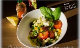 Rohe Zucchini im Salat : kulinarisch und optisch ansprechend