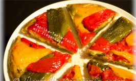 Bunte Paprika-Tarte-Tatin mit Ziegenkäse